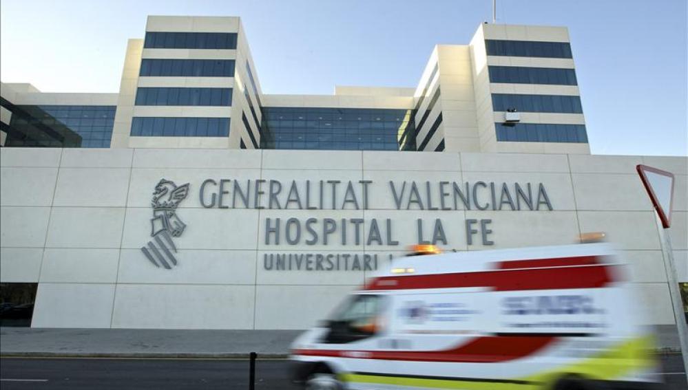 Antena 3 tv un ni o de 4 a os se somete a un trasplante - Hospital nueva fe valencia ...