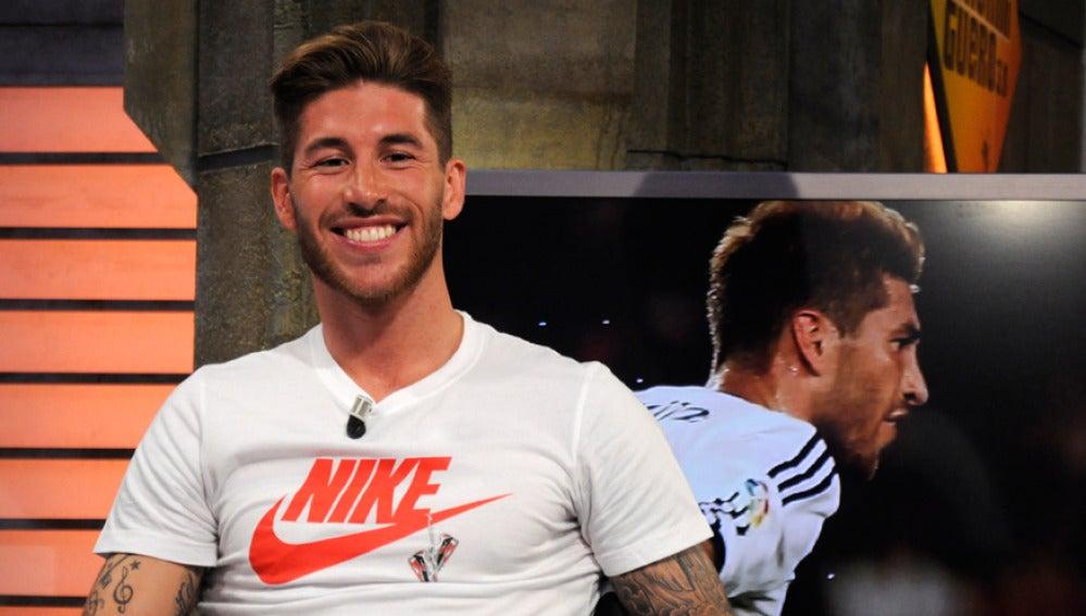 Sergio Ramos se divierte en El Hormiguero