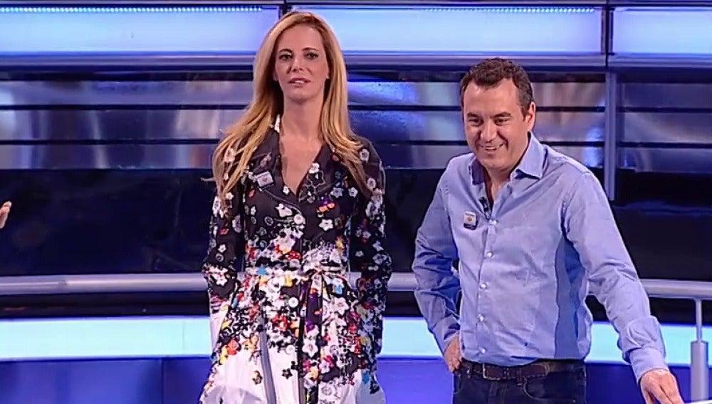 Paula Vázquez y Roberto Brasero en Atrapa un millón