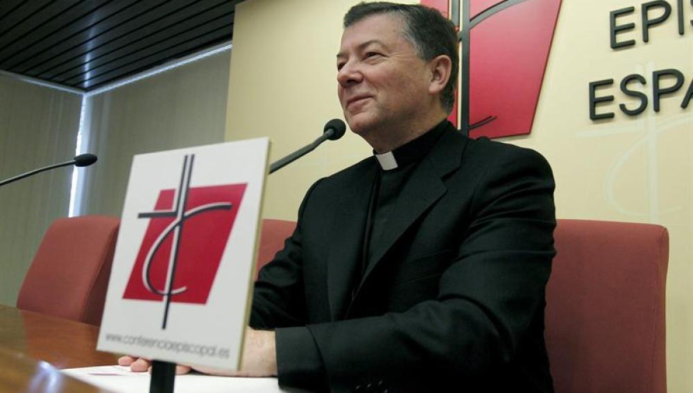 El secretario general de la Conferencia Episcopal Española, Juan Antonio Martínez Camino
