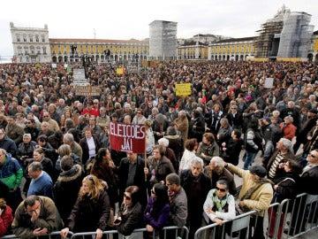 Masivas manifestaciones en Portugal