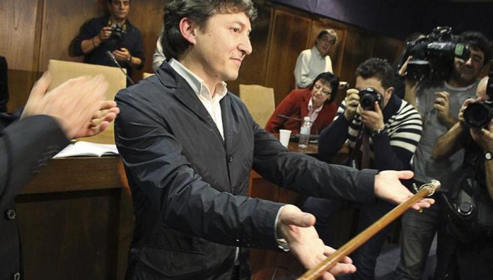 El nuevo alcalde de Ponferrada, el socialista Samuel Folgueral