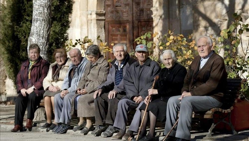 Un grupo de personas mayores