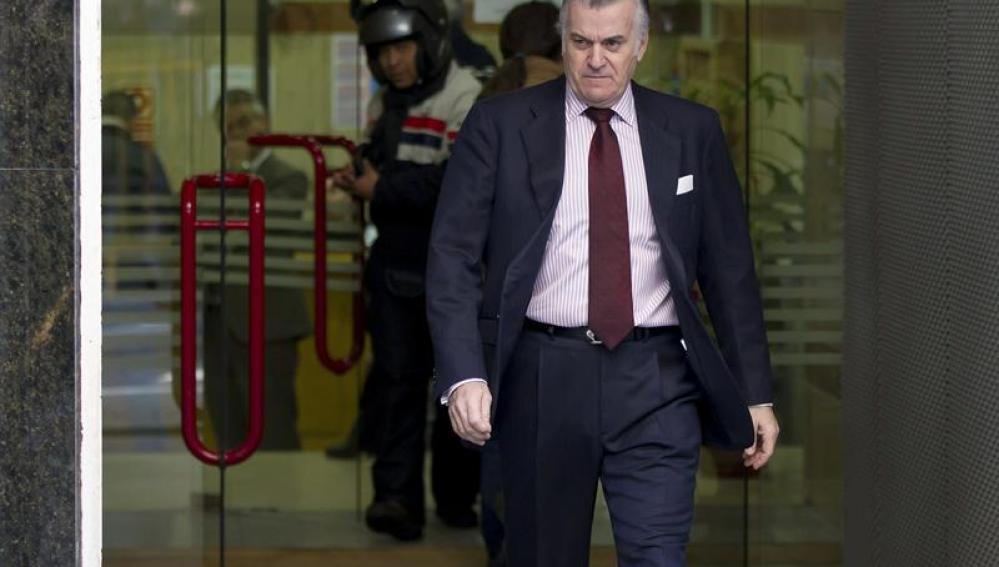 Bárcenas a la salida de la Audiencia Nacional tras su comparecencia quincenal