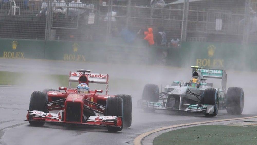 Fernando Alonso, bajo la lluvia de Albert Park