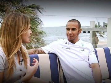 Nira Juanco entrevista  Lewis Hamilton