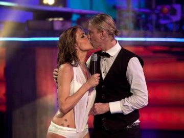 El beso de Guti y Romina