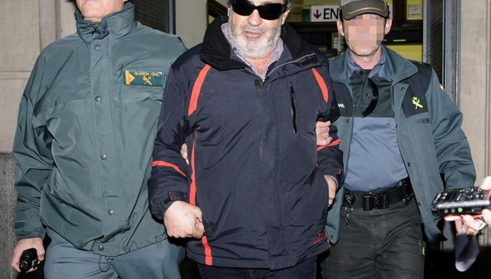 Juan Lanzas a la salida del juzgado