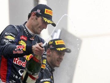 Webber y Vettel en el podio de Malasia