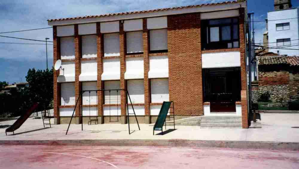 Puertas de una escuela