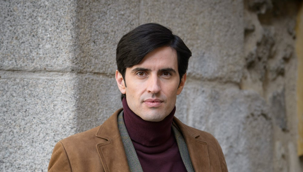 Carlos García es Fernando Solís