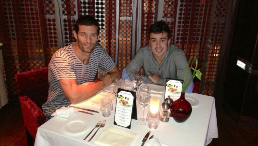 Mark Webber y Alonso cenando en Dubái