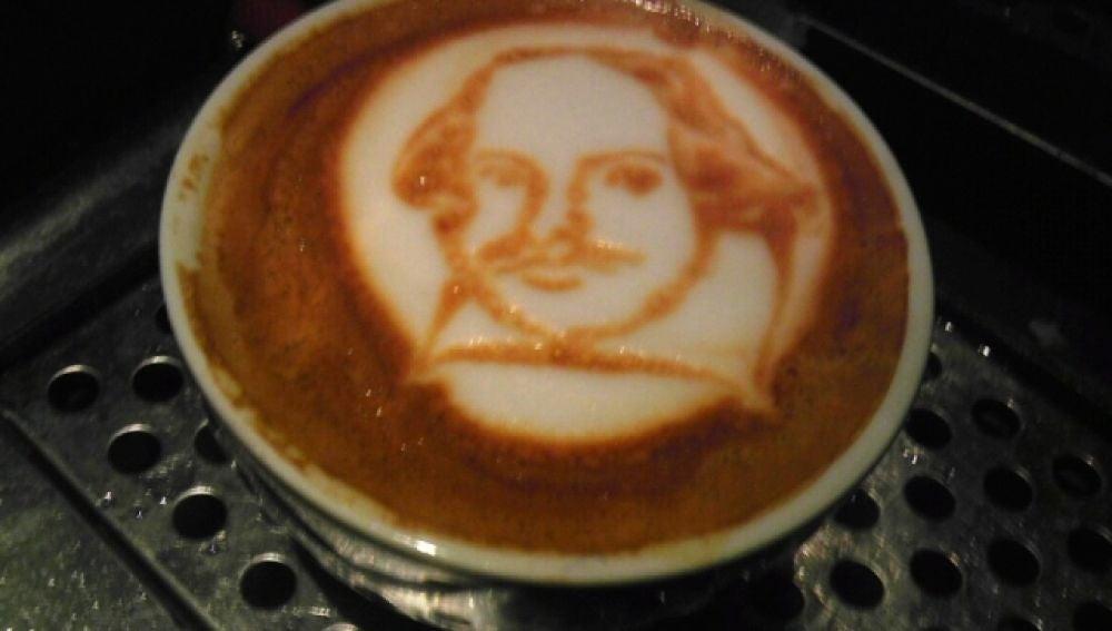 Retrato de William Shakespeare en una taza de café