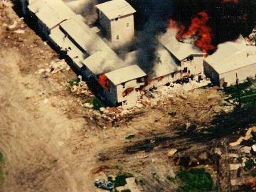 Rancho de Monte Carmelo en llamas