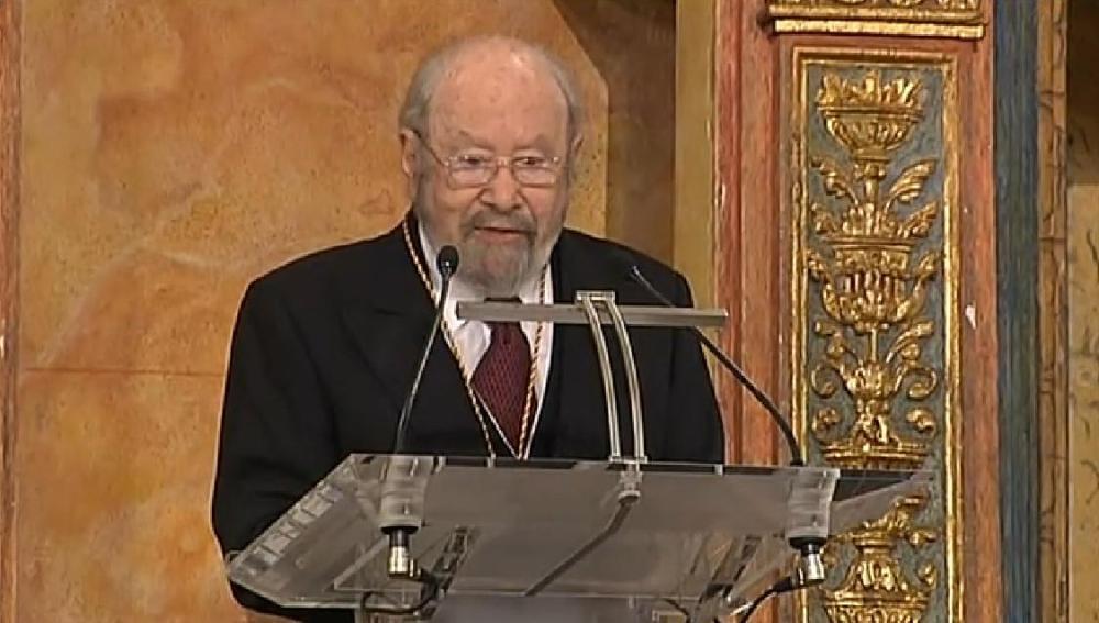 Caballero Bonald, durante su discurso tras recibir el Premio Cervantes
