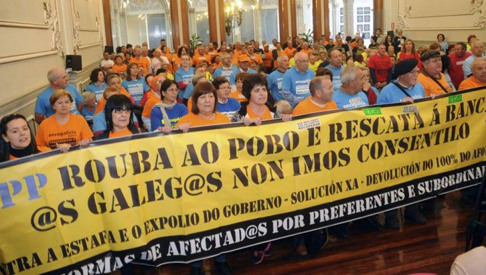 Protesta por las preferentes en la Diputación de Pontevedra