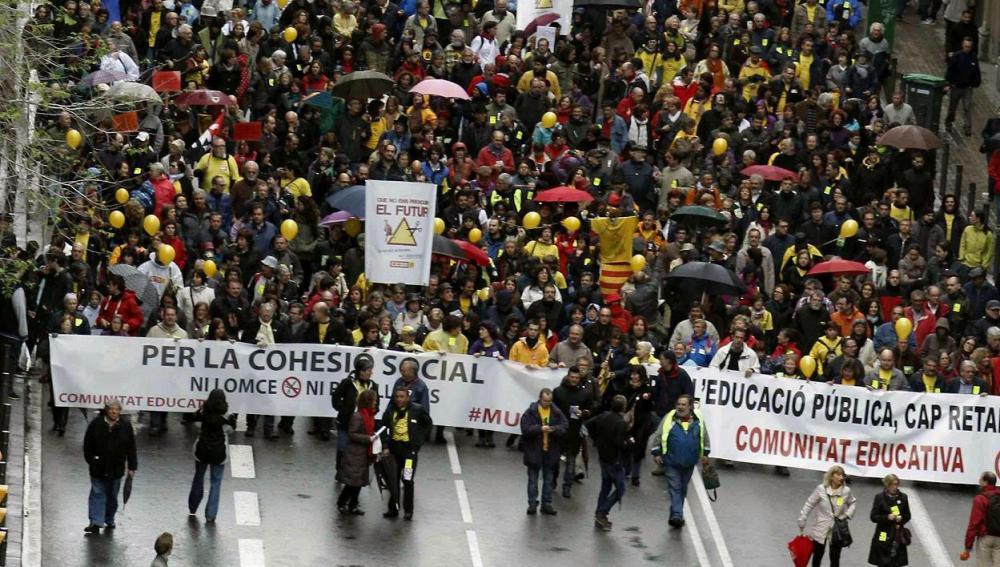 Pancarta que abría la manifestación en Barcelona