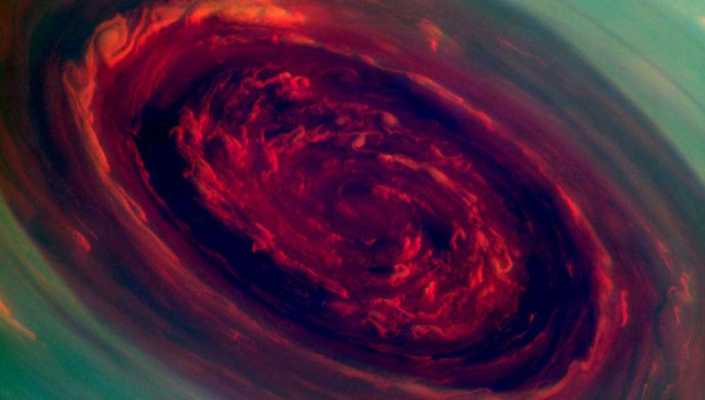 Huracán gigante en Saturno