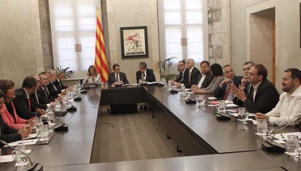 Reunión de los partidos catalanes sobre el derecho a decidir