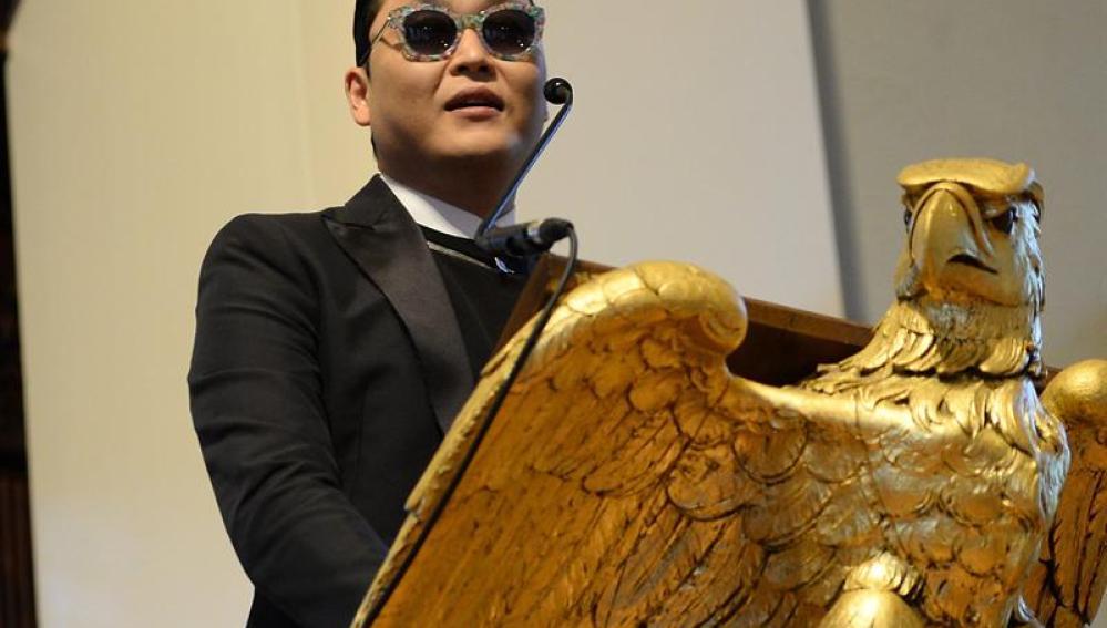 Psy, en Harvard