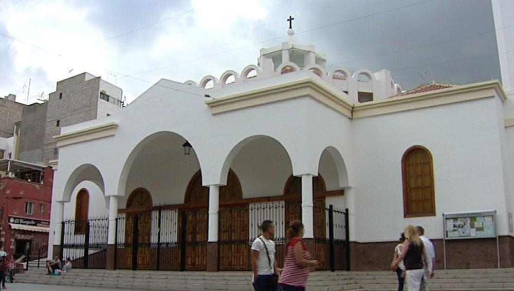 Plaza de la iglesia de Los Cristianos, en Tenerife
