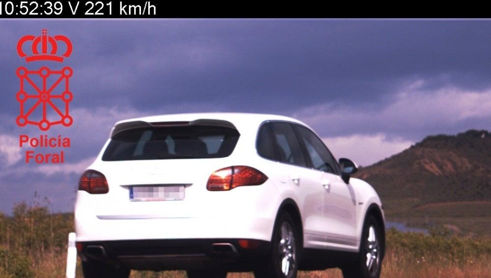 El radar capta a un vehículo a 221 km/h en Navarra