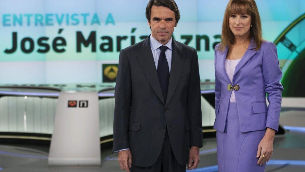 José María Aznar junto a Gloria Lomana