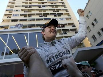 Nico celebra el triunfo monegasco