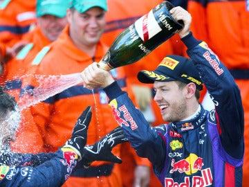Vettel celebra el podio