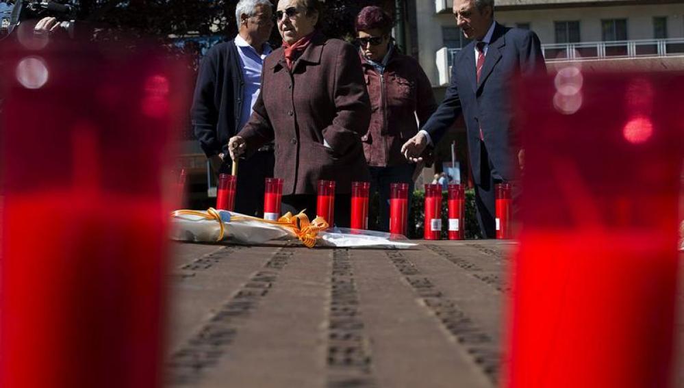 Los familiares del Yak-42 homenajean a las víctimas