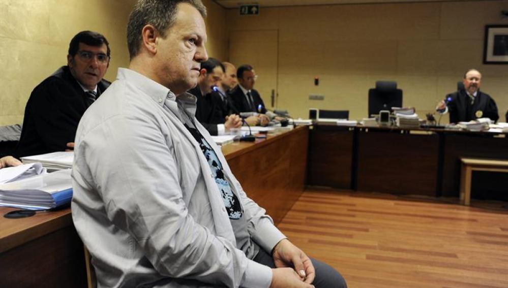 Celador de Olot durante el juicio