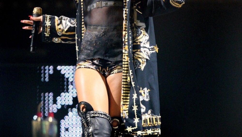 Rihanna lo da todo en su concierto en el 'MEO Arena' en Lisboa