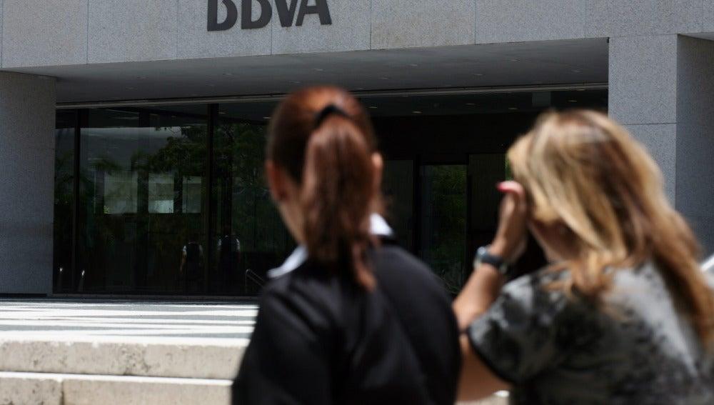 Un error del BBVA provoca el cobro por duplicado a clientes