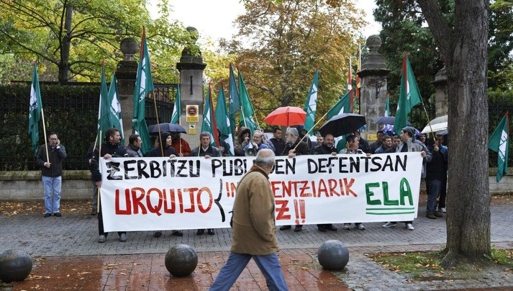 Los vascos viven la octava jornada de huelga en crisis