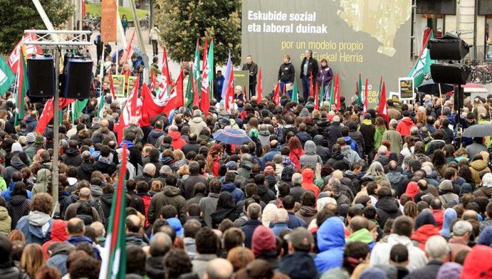 Miles de personas han secundado la manifestación central de la jornada de huelga general