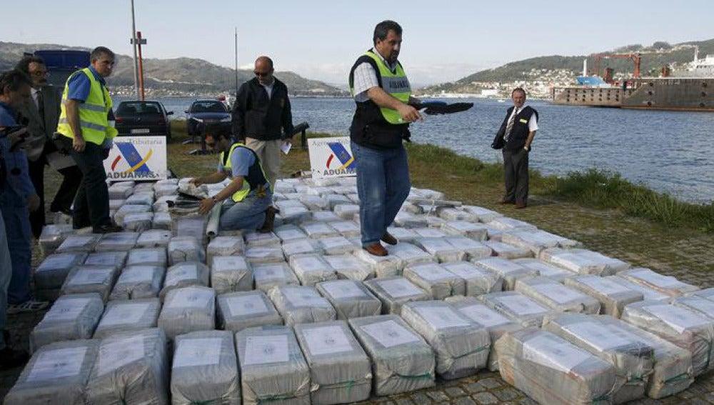 El asalto a un pesquero con 3.000 kilos de cocaína se salda con 21 detenidos