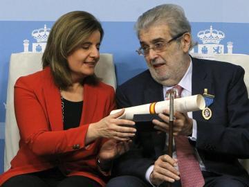 José Manuel Lara recibe la Medallas de Oro al Mérito en el Trabajo
