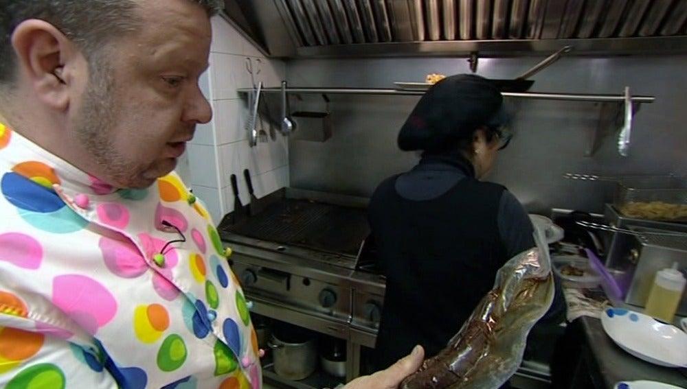 Chicote revisa la cocina