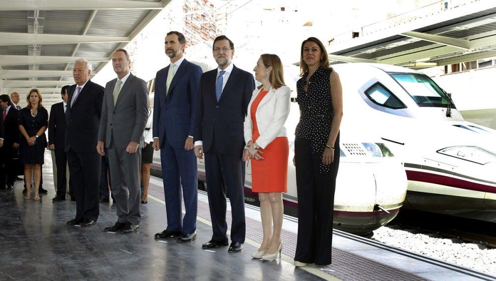 Rajoy junto al príncipe Felipe en la inauguración del AVE Madrid-Alicante