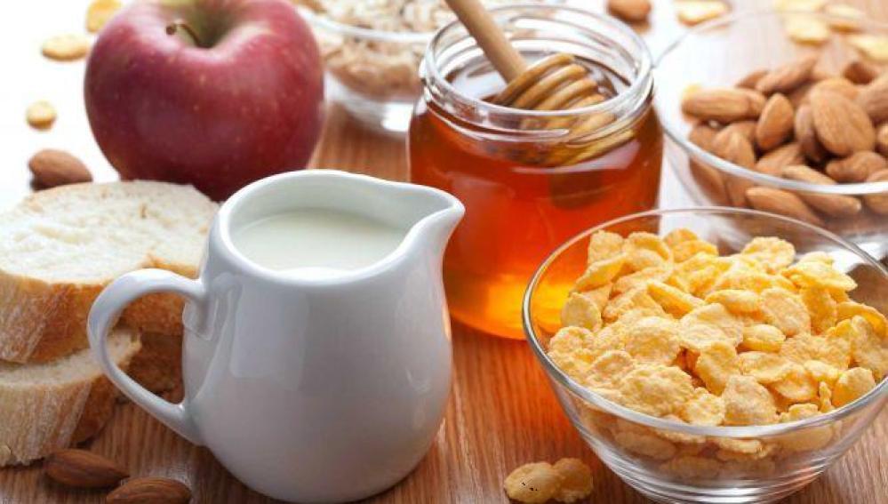 El riesgo de ataque cardiaco aumenta en los hombres que no desayunan de forma habitual