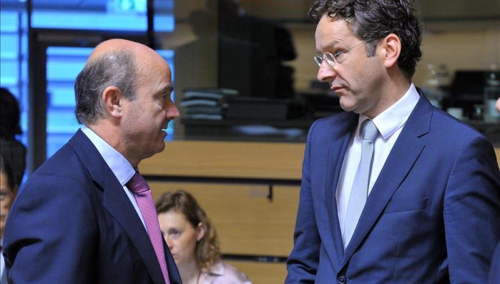 De Guindos afirma que la UE protegerá los depósitos de pymes y particulares