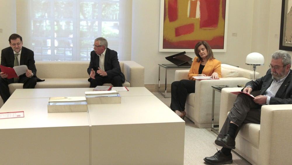 Rajoy se reúne con los sindicatos