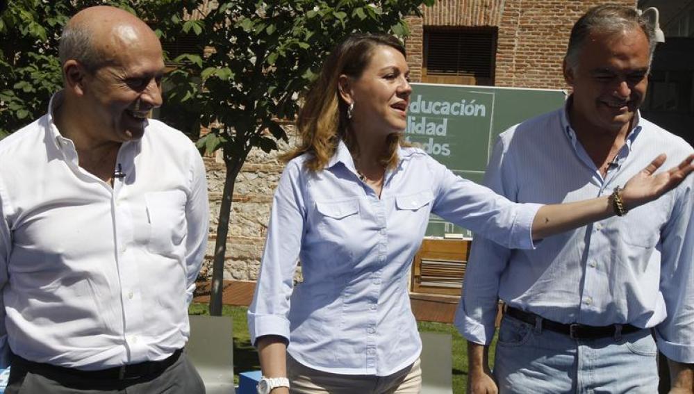María Dolores de Cospedal, en un acto con José Ignacio Wert