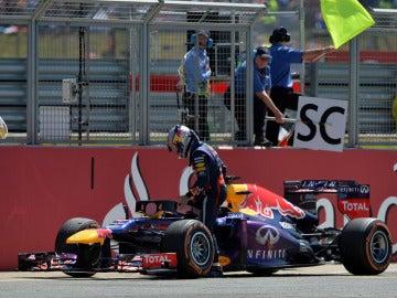Vettel abandona su monoplaza en Silverstone