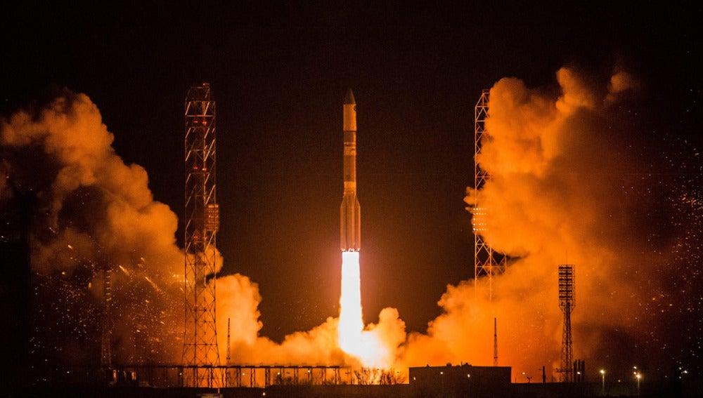 Un cohete ruso se estrelló tras el despegue