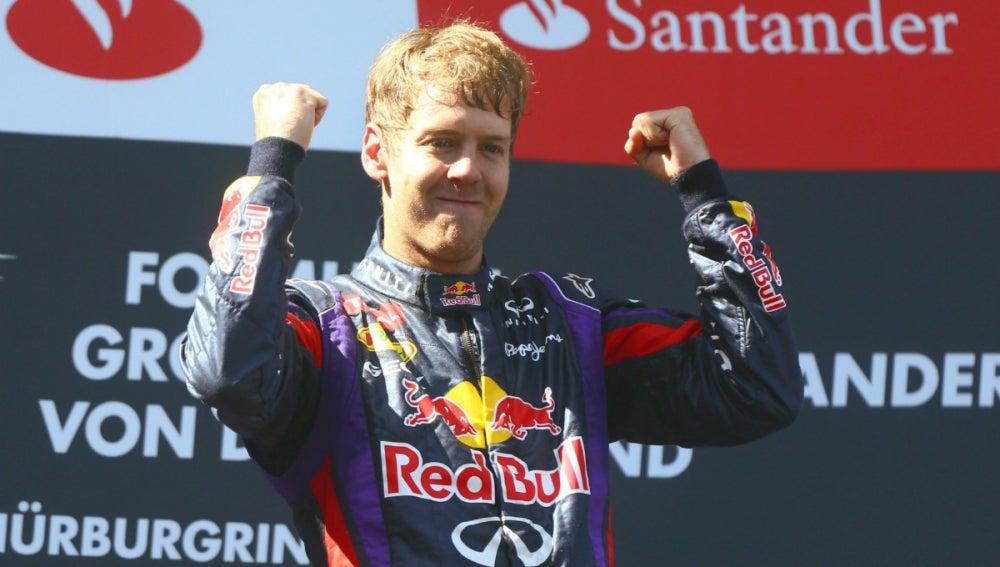 Vettel gana en Nürburgring