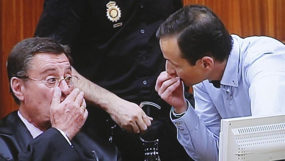 José Bretón junto a su abogado José María Sánchez de Puerta