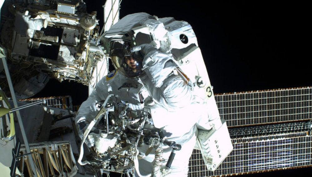 El paseo espacial de Luca y Chris