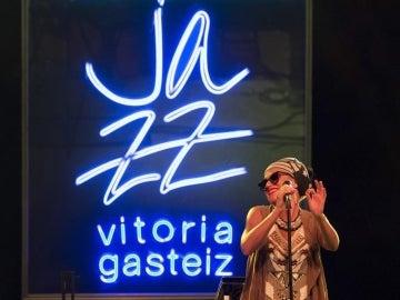 Melody Gardot en concierto en la noche de Vitoria.