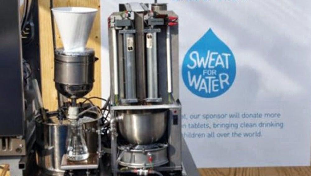 Unicef presenta una máquina que convierte el sudor en agua potable